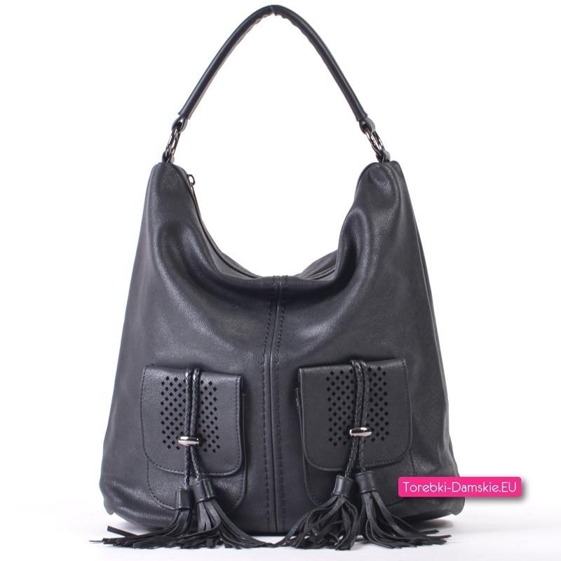 Czarna torebka A4 z dwoma kieszeniami i frędzlami ozdobnymi