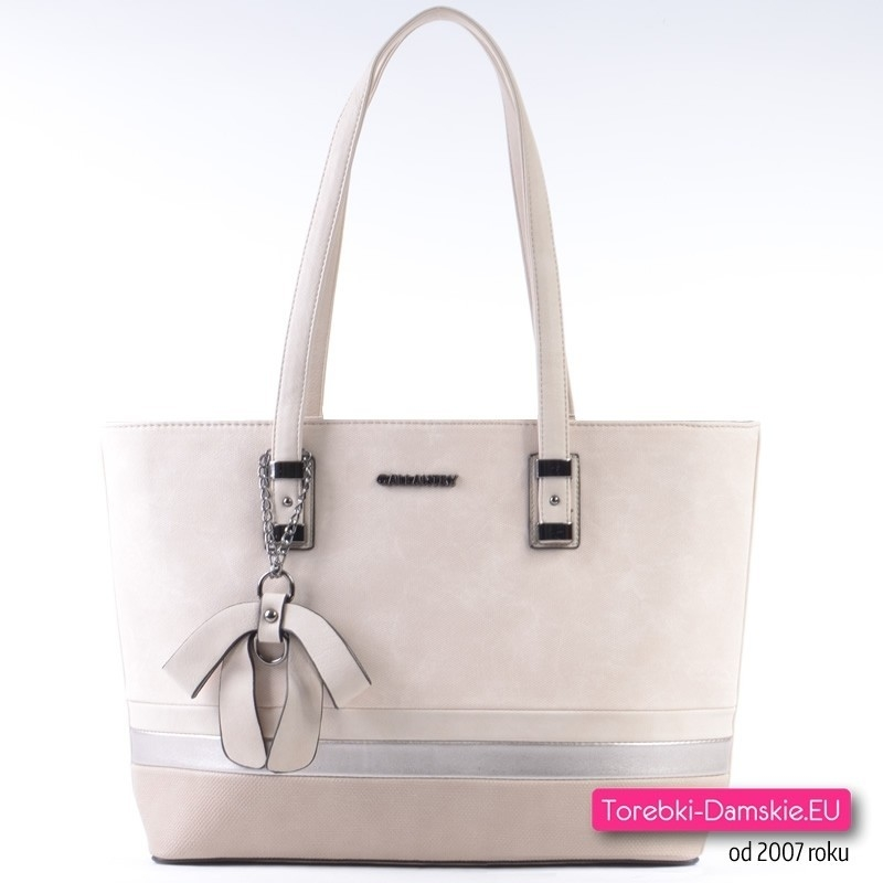 Duża beżowa torba ze srebrną aplikacją i ozdobną kokardą