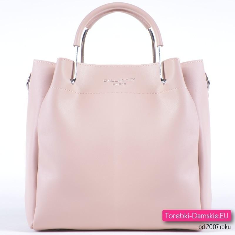 Modna torebka w kolorze pudrowy róż