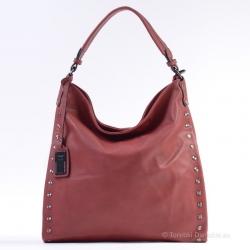 Duża czerwona torba z metalowymi ozdobnymi nitami
