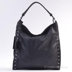 Czarna torba damska z metalowymi nitami z przodu