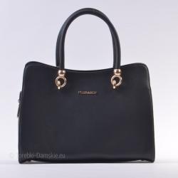 Kuferek w kolorze czarnym z metalowymi złotymi ozdobami