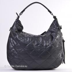 Czarna pikowana modna pojemna torebka na ramię