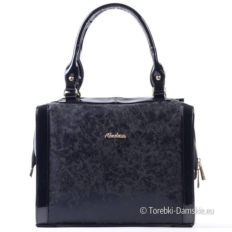 Czarna polska torebka - kuferek średniej wielkości
