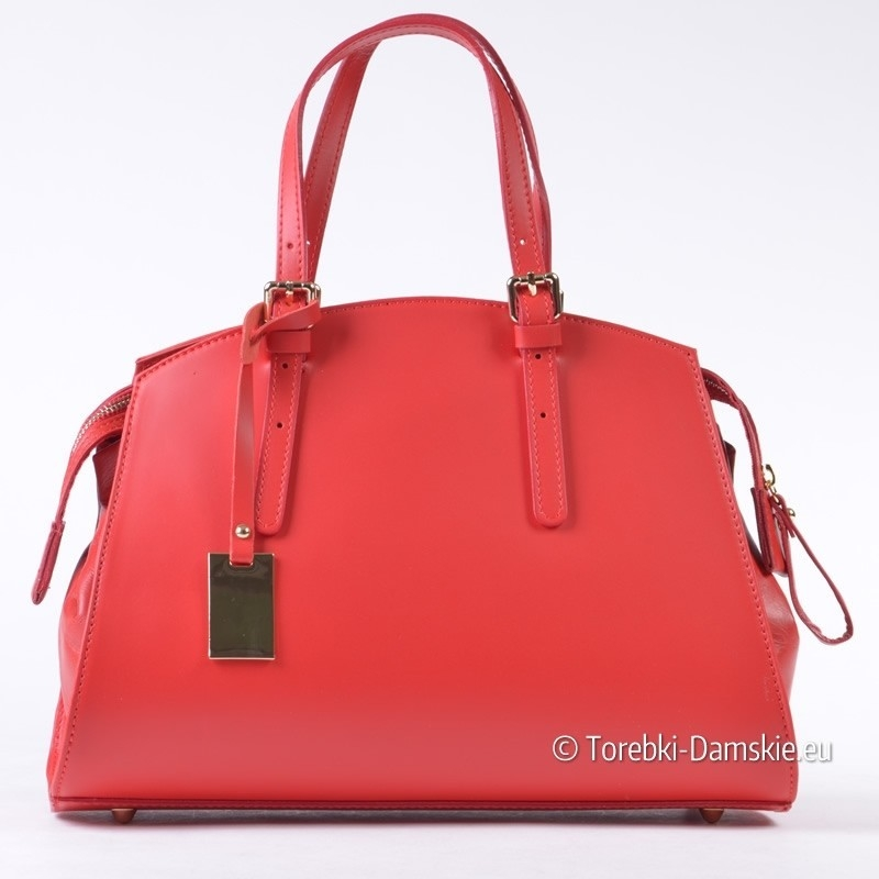 Czerwony kuferek ze skóry