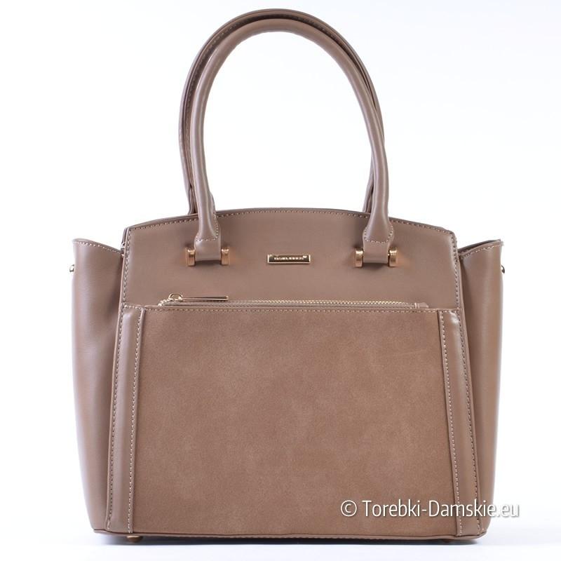 Kuferek w kolorze cappuccino - torebka w ładnym odcieniu beżowego