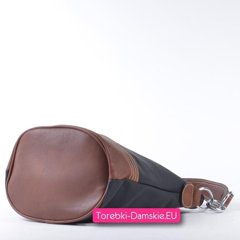 ee18cb354adf8 Czarno - brązowa torebka średniej wielkości z pieczątką