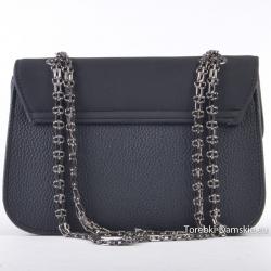 Tania torebka crossbody w kolorze czarnym na łańcuszku zamiast paska
