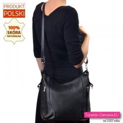 Skórkowa czarna torebka damska średniej wielkości