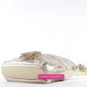 Złota torebka damska średniej wielkości