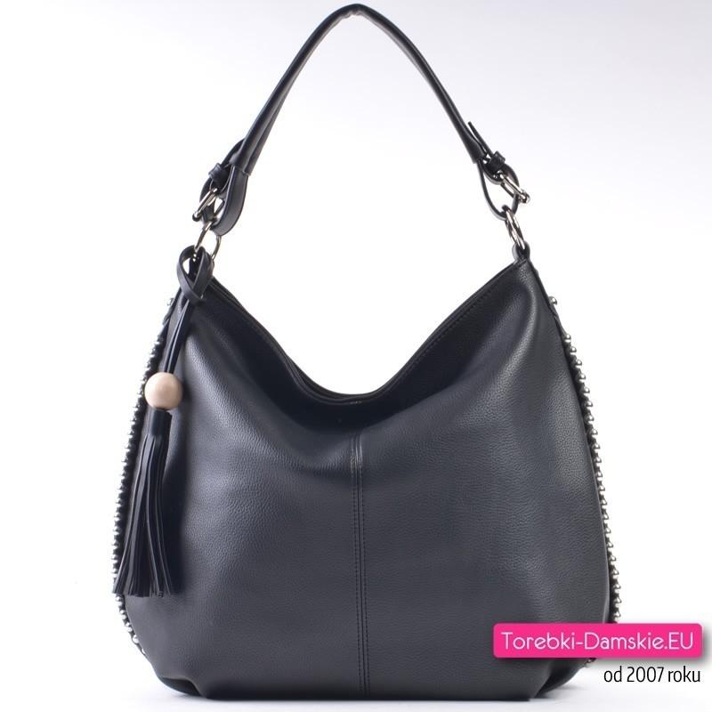 Czarna torba na ramię / do przewieszenia ozdobiona perłami