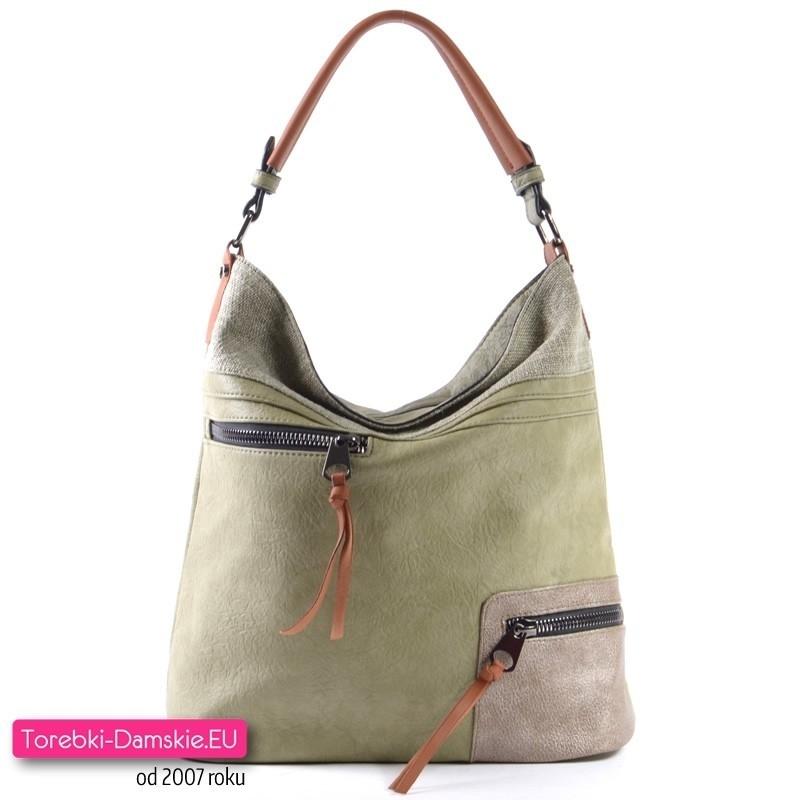 Zielona torebka w modnym odcieniu z dwoma kieszeniami z przodu