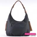 Czarna damska torebka z trzema kieszeniami