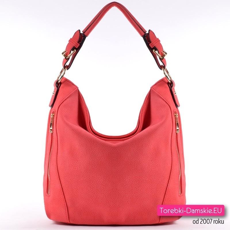 Czerwona torebka średniej wielkości z dwoma paskami (na ramię/do przewieszenia)