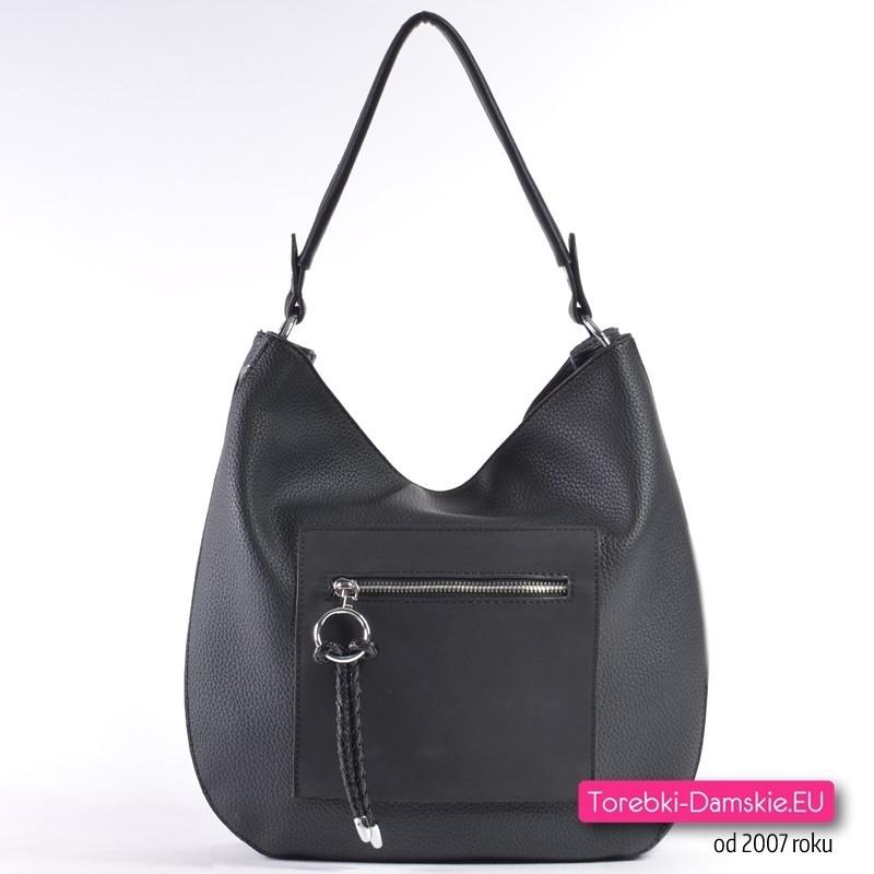 Czarna torebka na ramię z kwadratową kieszonką