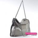 Można modyfikować kształt tej efektownej torby damskiej