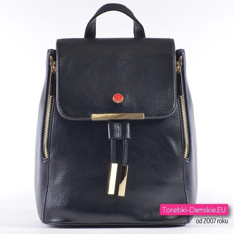 204780706c0b1 Oryginalny plecak damski Monnari w kolorze czarnym ze złotymi metalowymi  ozdobami