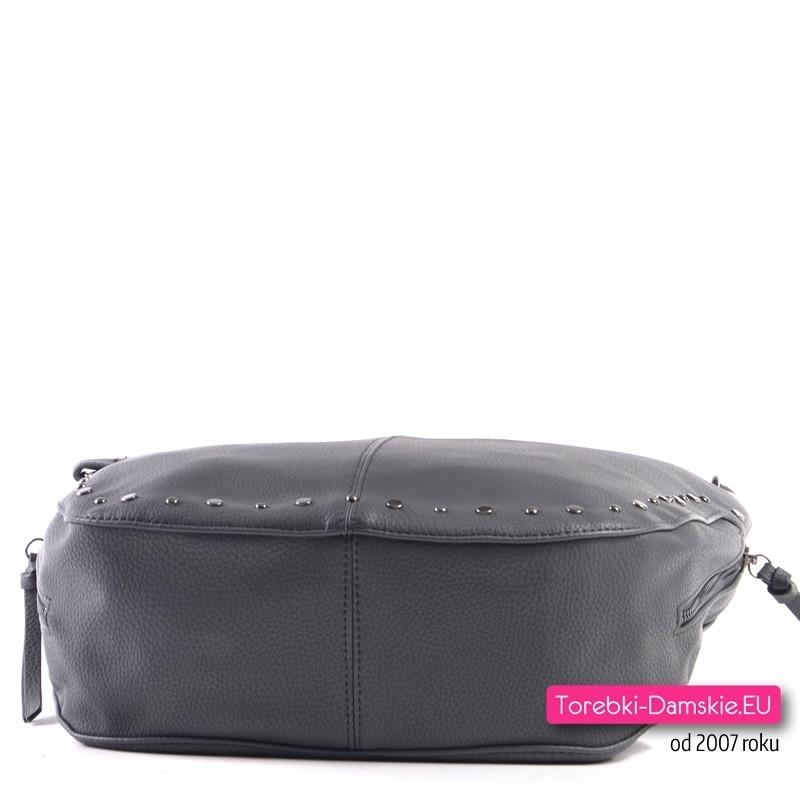35241d9194520 Szara torebka na ramię i do przewieszenia z nitami ćwiekami ozdobnymi
