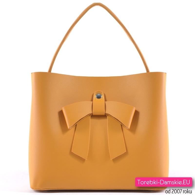 1052aedf2fe85 Musztardowa torebka z kokardą - modny odcień żółtego