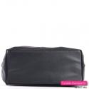 Szeroki spód tej czarnej torby shopper jest usztywniony