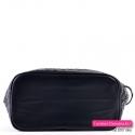 Czarna torebka z szerokim płaskim spodem
