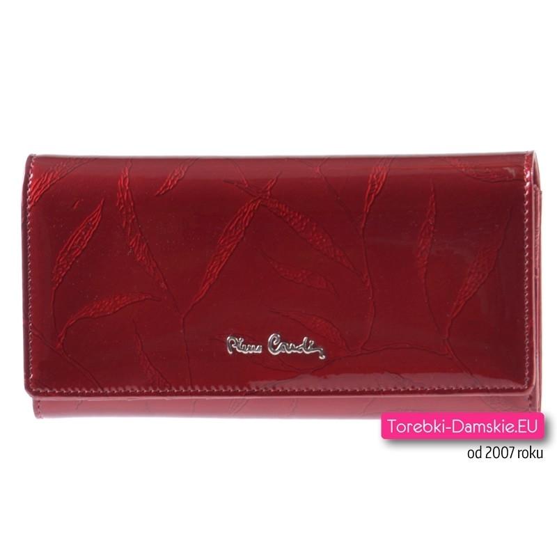 b82aac78cbfd6 Czerwony lakierowany duży portfel damski Pierre Cardin ze skóry ...