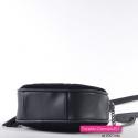 Torebka typu przewieszka - chanelka w kolorze czarnym