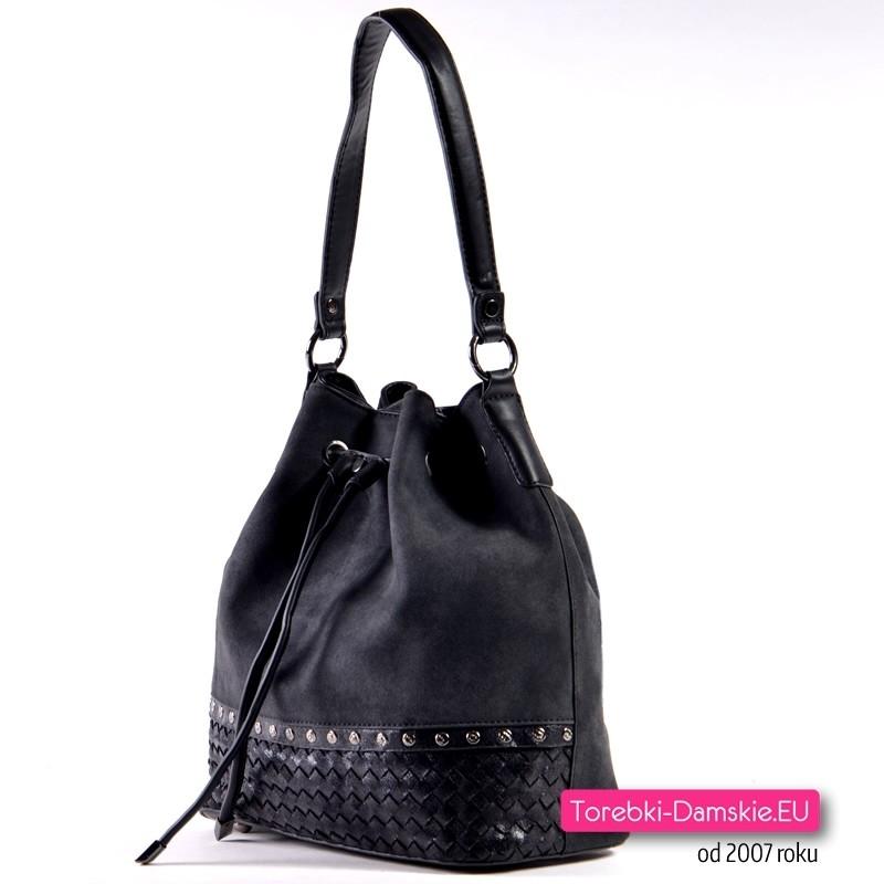 161f5786cff13 ... Czarna torebka - worek na ramię do przewieszenia - ozdobne ćwieki ...