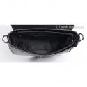 Włoska torebka listonoszka czarna zamykana suwakiem