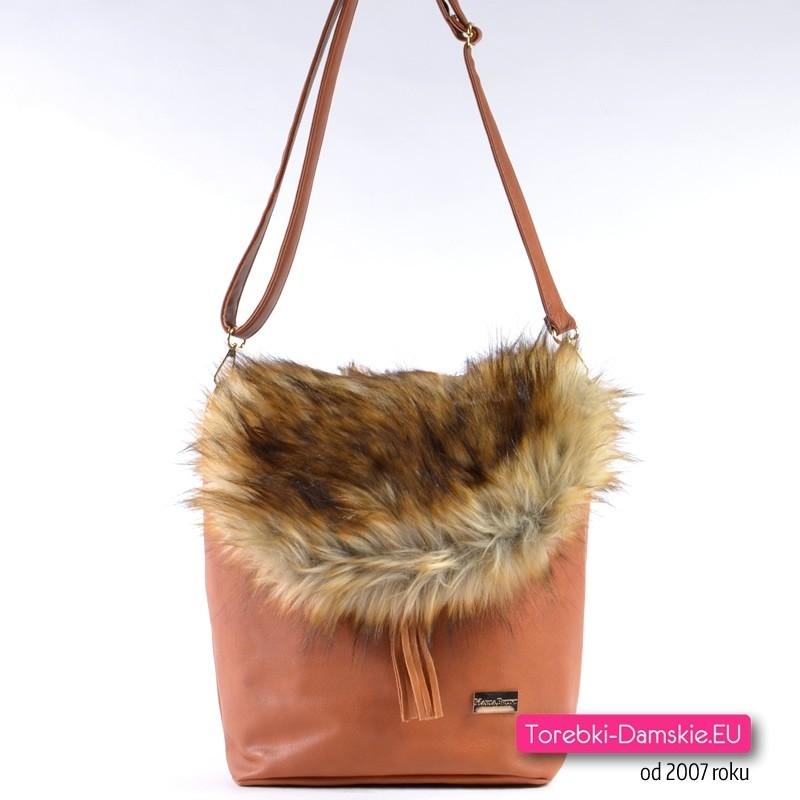 Brązowa torebka na zimę z futrzaną klapą