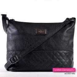 Czarna tania pikowana torebka średniej wielkości