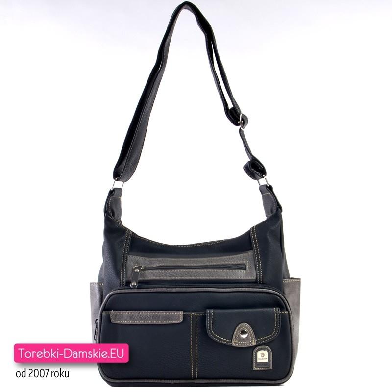 Czarna praktyczna torebka dużą ilością kieszeni