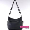 Czarna torebka z kieszenią z tyłu i na bokach