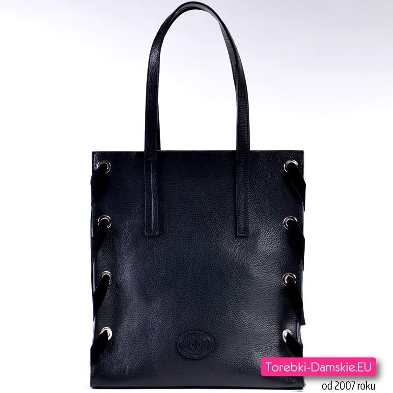 2ed0b3a31923c Prostokątna czarna skórzana włoska torba na ramię - gratis kosmetyczka ...