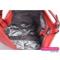 Praktyczna i elegancka torba w kolorze czerwonym wykończona wewnątrz podszewką - 3 kieszenie w środku