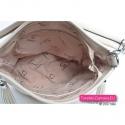 Beżowa torebka damska zamykana suwakiem wykończona podszewką