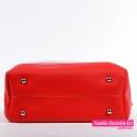Czerwona torebka damska ze stopkami metalowymi