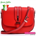 Czerwona włoska torebka z klapą i ozdobnym suwakiem