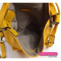 Mieszczący A4 żółty plecak i torba damska w jednym