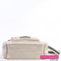 Beżowa torebka - jasny odcień, średnia wielkość, praktyczna i modna