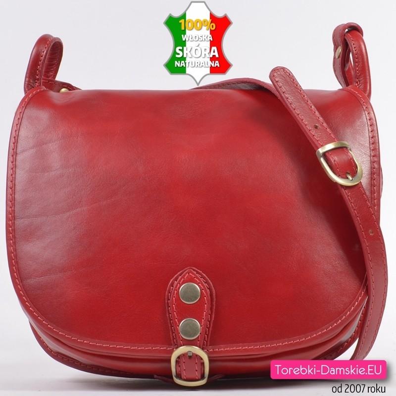 Skórzana czerwona torba z klapą do przewieszenia pojemny model