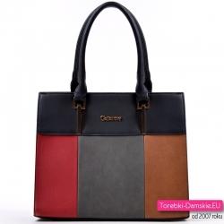 Czarny kuferek z szarym czerwonym i brązowym prostokątem z przodu
