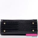 Sztywny elegancki kuferek w kolorze czarnym