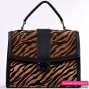 Czarna torebka ze skóry tygrysa