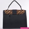 Czarna torebka średniej wielkości tygrys