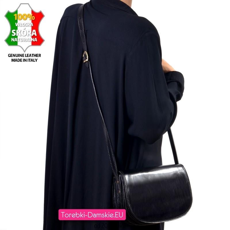 Klasyczna trójkomorowa torebka damska ze skóry - model na długim pasku, czarna