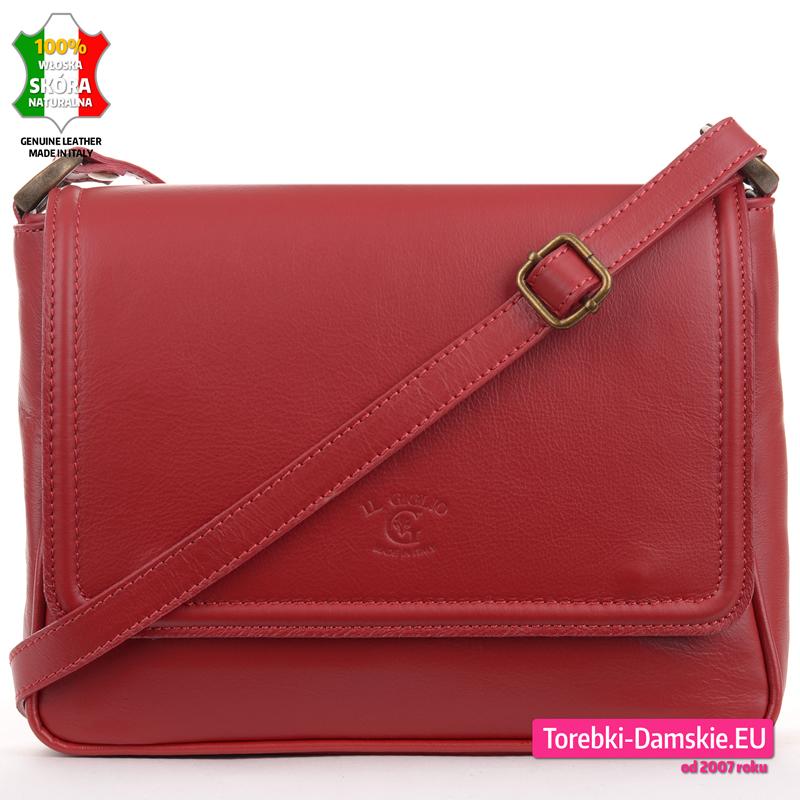 Czerwona skórzana torebka średniej wielkości z klapą - 219,00 zł