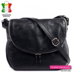 Włoska torebka z klapą z czarnej miękkiej skóry