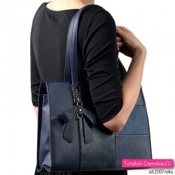 Granatowa torebka na ramię z kokardą