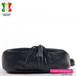 Czarna włoska mała torebka przewieszka z klapką